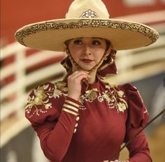 Hermosa Mexican Costume, Mexican Outfit, Mexican Dresses, Beautiful Mexican Women, Vestido Charro, Mexico Dress, Traditional Mexican Dress, Mexican People, Mexico Fashion