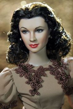 Noel Cruz repaint ~ Vivian Leigh ~ from the collection of Suzanne McD ~ The Studio Commissary Diva Dolls, Barbie Dolls, Art Dolls, Dolls Dolls, Vintage Barbie, Realistic Barbie, Barbie Celebrity, Porcelain Dolls Value, Lifelike Dolls