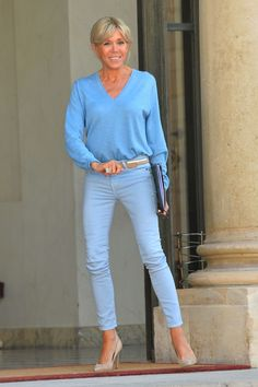 Brigitte Macron's Best First Lady Style Moments Over 50 Womens Fashion, 50 Fashion, French Fashion, Plus Size Fashion, Jeans Fashion, Fashion Trends, Fall Fashion Outfits, Casual Outfits, French First Lady