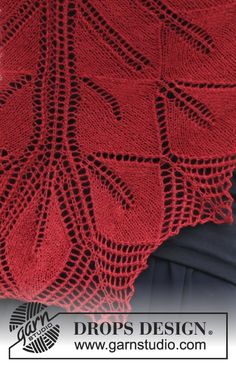 """Autumn Leaf - Knitted DROPS shawl with lace pattern and leaves in """"Lace"""" or """"BabyAlpaca Silk"""". - Free pattern by DROPS Design"""