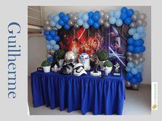 Decoração Star Wars. Bonecos de mesa e máscara  oficiais - Disney
