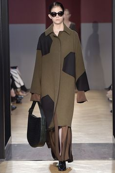 Sportmax Fall 2016 Ready-to-Wear Collection Photos - Vogue