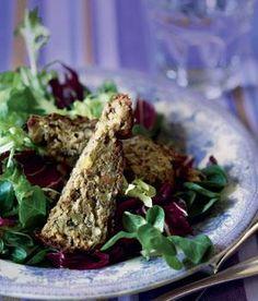 Selleripostej med hasselnødder og salat med honningdressing   Magasinet Mad!
