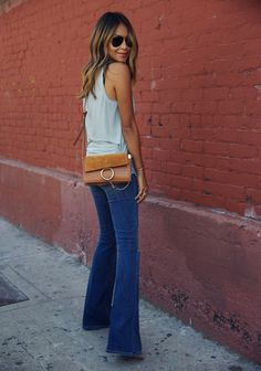 Perfect 70s inspired look - flare jeans and brown Chloe Faye