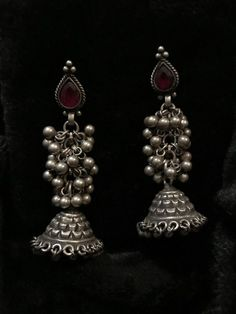 Silver Earrings With Pearl Indian Jewelry Earrings, Silver Jewellery Indian, Jewelry Design Earrings, Gold Earrings Designs, Tribal Jewelry, Silver Jewelry, Silver Rings, Women's Earrings, Antique Jewelry