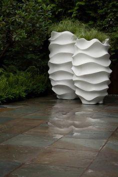 100 Gartengestaltung Bilder und inspiriеrende Ideen für Ihren Garten - pflanzentöpfe modern im garten gestalten