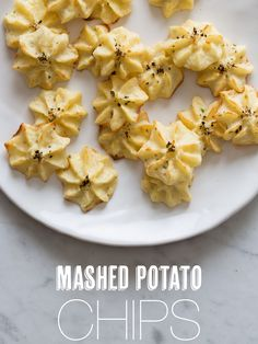 This Mashed Potato Chips (aka Duchess Potatoes) recipe is courtesy of Spoon Fork Bacon, as a part of the U. Potato Board's Potato Lovers Club Program. Leftover Mashed Potatoes, Mashed Potato Recipes, Potato Dishes, Mini Potatoes, Purple Potatoes, Bacon Recipes, Spoon Fork Bacon, Chips Recipe, Veggies
