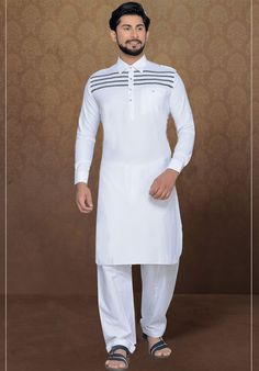 White ready made kurta pyjama set. Gents Kurta Design, Boys Kurta Design, Kurta Pajama Men, Kurta Men, Pathani For Men, Mens Shalwar Kameez, Pathani Kurta, Kurta Patterns, White Kurta