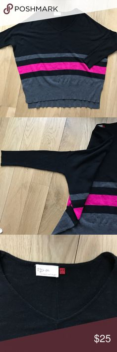 RD style dolman color block top/sweater Super cute and chic. Good condition. Size medium. Dolman sleeves. Great fit to wear with leggings. So nice and versatile. Sweaters V-Necks