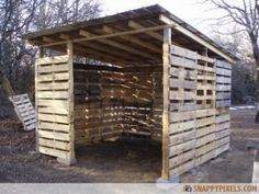 Pallet shelter for goats. A little shorter and a little longer, maybe.