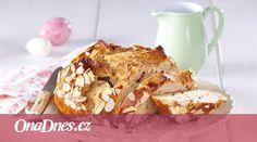 Upečte si na velikonoční svátky netradiční mazanec s vlašskými ořechy. Banana Bread, French Toast, Muffin, Breakfast, Food, Morning Coffee, Essen, Muffins, Meals
