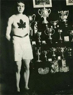 Bobby Kerr track and field 1908 pictures | Robert Kerr (athlete). OS guld 200 meter 1908 London.