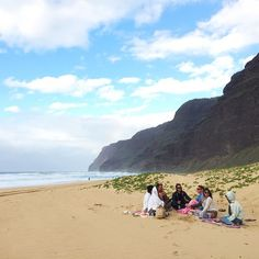 Little wind doesn't stop this place from its magic! Polihale dream | #luckywelivehawaii #kauai