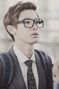 Chanyeol EXO K Happy Virus look at his tie Baekhyun, Park Chanyeol Exo, Kpop Exo, Exo Imagines, Asian Boy Band, Exo Korean, Korean Idols, Korean Actors, Baekyeol