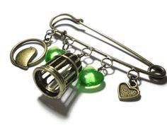 Bronze bird cage kilt pin brooch pin Vintage lucite by Jaysmonkey, £6.50