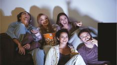 Check out this list of funny movies that you must watch if you really want to have a good laugh alone or with friends and family. Good Comedy Movies, Funny Movies, Dwayne Johnson, Net Tv, Reality Shows, Relationship Books, Michael Ealy, Friends Laughing