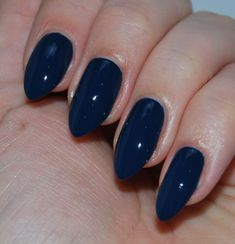 toe nail tips Baking Soda - Easy DIY New Looks for Summer Nails - Dark Blue Nails, Navy Nails, Wide Nails, Blue Nail Polish, White Polish, Diy Nail Designs, Art Designs, Rhinestone Nails, Gorgeous Nails