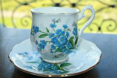 Royal Albert ladies teacup and saucer  blue forget door HomiArticles