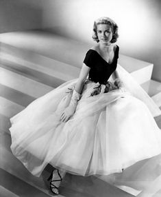 1a06e676cfc Grace Kelly s gorgeous outfit from The Rear Window. Old Hollywood Glamour  Dresses