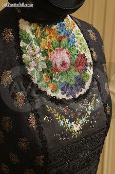 Берлинская вышивка и высокая мода. Dolce иSusanne Bisovsky.