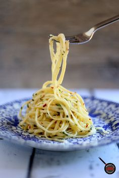 SPAGHETTI AGLIO E OLIO WITH ANCHOVY PASTE from What To Cook Today