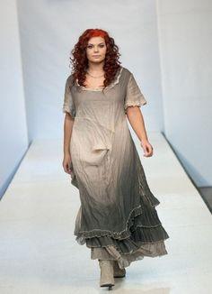 Стиль одежды бохо для полных  один из способов самовыражения, раскрепощения. Бохо всегда вызывает удивление и восхищение. Но и в то же время несет позитив,