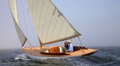 Vie Le Faune,  a classically styled new boat. It rides in the water with grace and aplomb. Romantic.