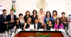 Convenio de Colaboración para realizar Foro Global de Mujeres en el Parlamento - http://plenilunia.com/portada/convenio-de-colaboracion-para-realizar-foro-global-de-mujeres-en-el-parlamento/34511/