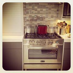 Verona 5 burner stove in new kitchen