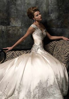 Stephen Yearick Wedding gown.