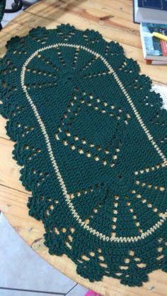 Tapete de crochê Crochet Doilies, Household Items, Diy And Crafts, Kids Rugs, How To Make, Handmade, Pasta, Quilts, Home Decor