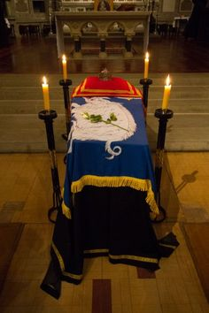 ( - p.mc.n. )  Pictures from the Requiem Mass for King Richard III