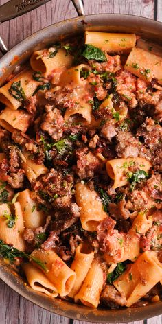 Italian Sausage Pasta is an easy pasta dish that is ready in 20 minutes! And creamy white wine parmesan cheese sauce is simply delicious! Easy dinner recipe that is quick and flavorful! Sausage Pasta Recipes, Italian Sausage Pasta, Italian Pasta Dishes, Italian Sausage Recipes, Easy Pasta Dishes, Food Dishes, Spinach Sausage Pasta, Rigatoni Recipes, Main Dishes