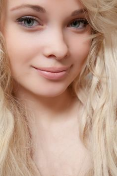 #sexy #blonde Feeona A will make your day with this Met Art gallery. Click the picture above to view full pictures.