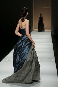 Seoul Fashion Week S/S 2011: Lee Young Hee (이영희) Maison LeeYoungHee