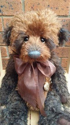 Each animal comes with a silver locket? Teddy Bear Hug, Old Teddy Bears, Vintage Teddy Bears, Boyds Bears, Bear Toy, Charlie Bears, Bear Photos, Love Bear, Felt Animals