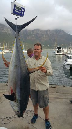 Matthew Preen with a Yellowfin Tuna. Caught off Hout Bay aboard Kahuna with Xtreme Fishing Charters. Tuna Fishing, Yellowfin Tuna, Fishing Tournaments, Fishing Pictures, Fishing Tools, Fishing Charters, Deep Sea Fishing, Sport Fishing, Cape Town