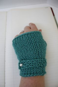 Classic Fingerless Gloves (knitting pattern): free Ravelry download.