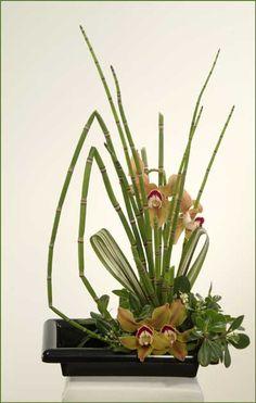 Three Sisters ikebana flower arrangement B.