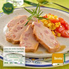 ¡Este platillo es ideal para cuando tengas invitados! Deléitalos con un lomo de cerdo mechado con tocino y jamón de pavo. El lomo de cerdo es un alimento rico en proteínas, hierro y vitamina B1, la cual ayuda a proteger el sistema nervioso. Checa la receta en: http://bit.ly/1kYNagQ