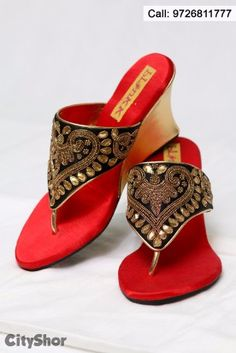 e808d182fb1 Customize your footwear with BLINKK