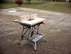 Wood Router Table Project There are lots of useful ideas for your woodworking ventures found at http://www.woodesigner.net