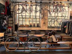 Im Fahradhimmel... #eddywouldattack #cyclecafe #fahrradcafe #fahrradwerkstatt #cycleboutique Bike Store, Cycling, Workshop, Bicycle, Mint, Spaces, Bar, Adventure, Boutique