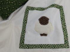 Appliqué lamb baby blanket
