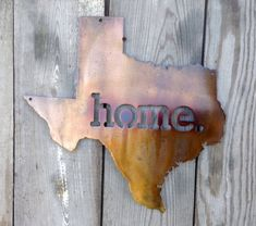 Show off your Texas State pride with this Texas Home metal wall art signage from Acadiana Graphics. 18 and 24 wide cut from steel plate Diy Welding, Welding Projects, Wood Projects, Focal Wall, Texas History, Antique Copper, Metal Wall Art, Metal Working, Bronze