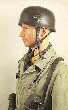 Fallshirmjager uniform, Crete 1941 - pin by Paolo Marzioli