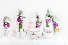 #mundushannover #fineartbakery #handmade #cakes #candybar #cakebar # flowers #paintedcake #hanover #delicious #wedding #weddinginspiration #weddingcake #summer #love #cakepops #cookies  photo: @anja_schneemann_photography  flowers: @milles_fleurs_  decoration: @pompomyourlife  wedding blog: @friedatheres  sweets: @mundus_hannover