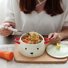 The Bear Noodle Bowl serves up lunch or dinner in style. Shop at the Apollo Box! Cute Kitchen, Kitchen Items, Kitchen Gadgets, Kitchenware, Tableware, Cute Cups, Noodle Bowls, Served Up, Ceramic Bowls