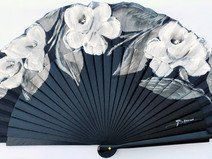 Abanico 23 cm pintado a mano Fan Decoration, Hand Fans, Something Blue, Tai Chi, Victorian Fashion, Asian Art, No Time For Me, Diy And Crafts, Shabby