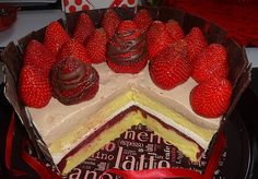 Farebná torta (fotorecept) - obrázok 8 Mocha, Latte, Desserts, Food, Tailgate Desserts, Deserts, Essen, Dessert, Yemek